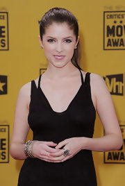 A chic cuff bracelet added sparkle to Anna Kendrick's black outfit at the Critics' Choice Awards.
