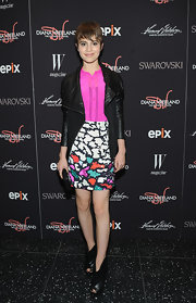 Sami Gayle toughened up her outfit with an edgy black leather jacket.