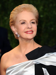 Carolina Herrera looked simply elegant with her short, brushed-back hairstyle at the 2011 Vanity Fair Oscar party.