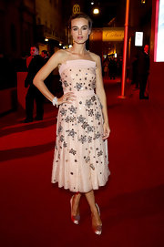 Kasia Smutniak looked downright darling in an embellished pink strapless dress during the Cartier flagship store reopening.