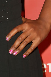 Mindy Kaling sported pink glitter nail polish at the Hilarity for Charity event.