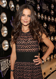 Katie Holmes sported an elegant leather-band watch at the 2011 MTV VMAs.