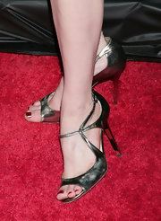 Mireille Enos displayed her red toe polish in a pair of metallic peep-toe heels at the Season 3 premiere of HBO's 'Big Love.'