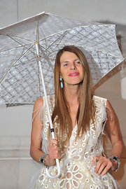 Anna dello Russo looked downright glam wearing stunning gemstone bracelets on both wrists during the Louis Vuitton - Marc Jacobs exhibition.