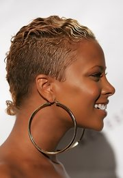 Eva Pigford looked tough-chic with her short wavy 'do at the 2006 ACE Awards.