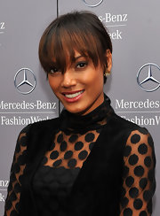 Selita Ebanks looked cute with her short haircut and eye-grazing bangs during Mercedes-Benz Fashion Week.