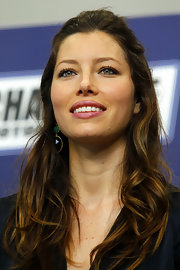 Jessica Biel looked sexy-gorgeous wearing this messy half-up 'do at the Coca-Cola 600 event.