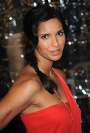 Padma Lakshmi kept it youthful and cute with this loose side braid at the premiere of 'Australia.'