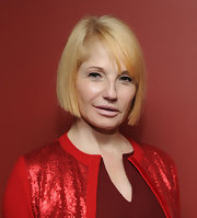 Ellen Barkin kept it simple with this short bob at the 2011 Outer Critics Circle Awards.