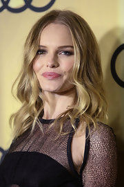 Kate Bosworth looked fabulous at the Audi Golden Globes kickoff party wearing this center-parted wavy 'do.