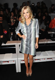 Mollie King completed her look with simple nude platform pumps by Topshop.