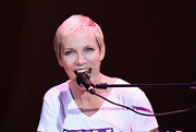 Annie Lennox performed at the Elle Fashion Star event wearing her usual pixie.