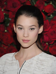 Astrid Berges Frisbey pulled her hair back into a neat, girl-next-door ponytail for the MoMA film benefit.