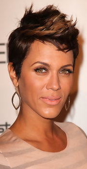 Nicole Ari Parker gave us hair envy with her sculpted fauxhawk at the 2011 Essence Black Women in Hollywood luncheon.