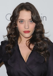 Kat Dennings styled her hair with bouncy curls for the Elle Women in Hollywood Tribute.