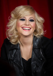 Pixie Lott looked like a doll with her bouncy blonde curls during MTV Presents Titanic Sounds.