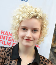 Julia Garner attended the 2012 Hamptons International Film Festival wearing this short curly 'do.