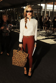 Joanna Hillman accessorized with an oversize leopard tote for a touch of print.