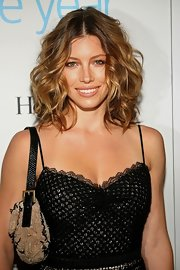 Jessica Biel looked fab with her high-volume curls at the Breakthrough Awards.