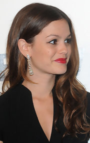 Rachel Bilson added major glamour with a stunning pair of dangling diamond earrings by Bulgari.