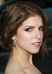 Anna Kendrick wore an elegant pair of dangling diamond earrings to the 'Scott Pilgrim' premiere.