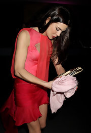 Charlotte Casiraghi paired her frock with a pink pashmina.