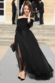 Ulyana Sergeenko opted for a pair of simple black pumps to complete her look.