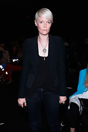 Kate Lanphear teamed a black cropped jacket with a low-neck top and jeans for the Jen Kao fashion show.