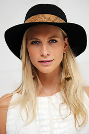 Poppy Delevingne attended the Dominic Jones presentation wearing a cool walker hat by Zadig & Voltaire.