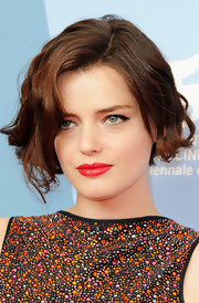 Roxane Mesquida looked darling with her short wavy 'do at the Venice Film Festival photocall for 'Kiss of the Damned.'
