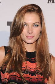 Jessica Hart wore her long hair loose with a deep side part during the M Missoni is for Music event.