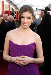 Anna Kendrick attended the Screen Actors Guild Awards wearing a sparkling cuff bracelet.