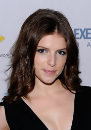 Anna Kendrick rocked messy, center-parted curls during the screening of 'Up in the Air.'