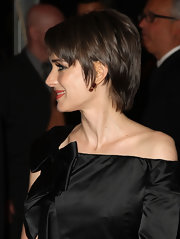 Winona Ryder looked cool and edgy with her razor cut at the 2009 Met Gala.