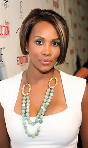 Vivica A. Fox looked modern with her asymmetrical bob during Quentin Tarantino and Fergie's birthday party.