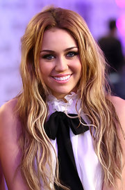 Miley Cyrus went punk-glam with this messy wavy 'do at the 2010 MTV EMAs.