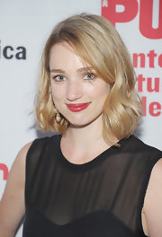 Kristen Connolly looked lovely with her short wavy cut at the opening of 'Love's Labour's Lost.'