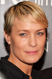 Robin Wright wore her hair in a short straight style at the New York screening of 'Ain't Them Bodies Saints.'