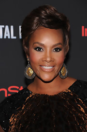 Vivica A. Fox sported a sculpted boy cut at the New York premiere of 'Total Recall.'