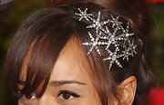 Ashley Madekwe came bedazzled with a starry headband by Jennifer Behr during the Melbourne Cup.