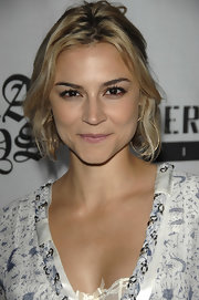 Samaire Armstrong went boho with this center-parted wavy 'do at the premiere of 'Bra Boys.'