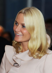Princess Mette-Marit opted for a subtly wavy 'do when she attended the 'Nordic Models+Common Ground' exhibition.