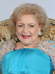 Betty White attended the taping of her 90th birthday show wearing this classic curly bob.