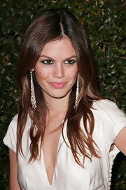 Rachel Bilson glammed up her casual 'do with an ultra-long pair of dangling pearl and diamond earrings.