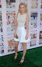 Jessica Stam added more inches to her statuesque physique with a pair of platform wedges.