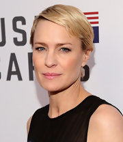 Robin Wright opted for a neat short 'do when she attended the 'House of Cards' FYC Q&A.