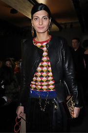 Giovanna Battaglia topped off her chic look with a gold chain necklace and a pair of hoop earrings.