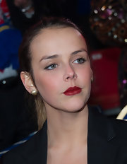 Pauline Ducruet sealed off her look with a bold red lip.