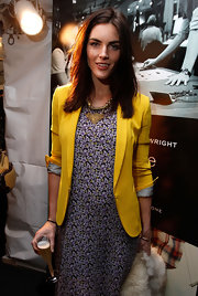 Hilary Rhoda spruced up her casual outfit with a gold statement necklace for the Rag & Bone fashion show.