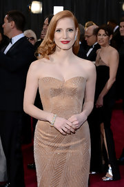 Jessica Chastain looked perfectly glam at the Oscars wearing this vintage diamond and gold bracelet by Harry Winston with her sparkly strapless gown.